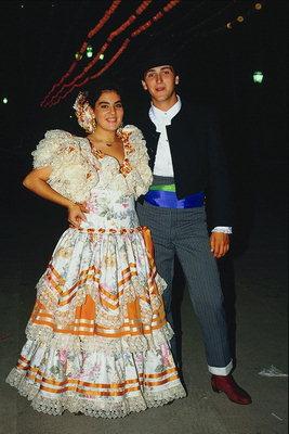 фото красивые девушки в национальных костюмах